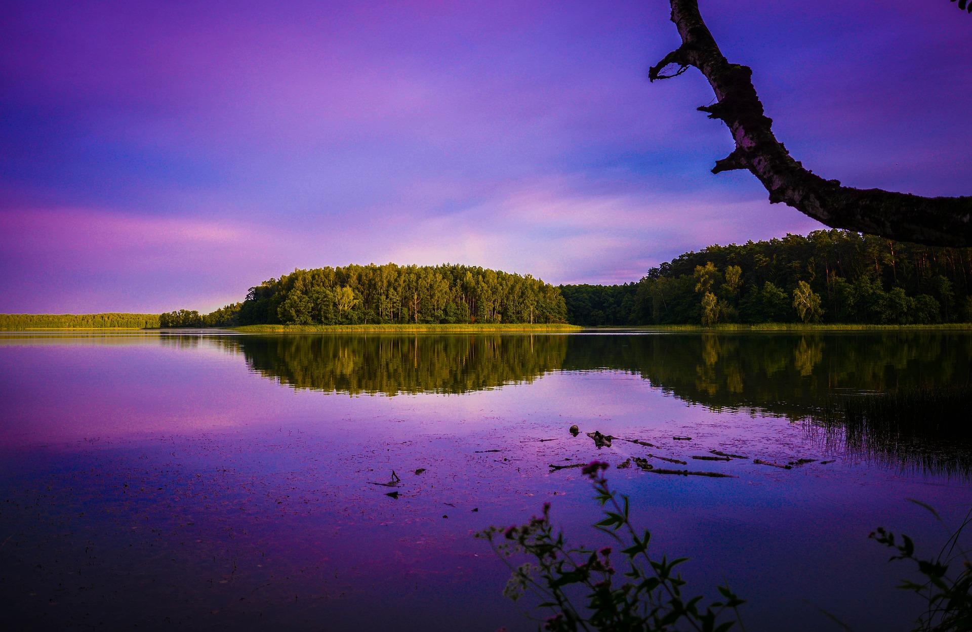 https://pixabay.com/pl/photos/mazury-niebo-woda-natura-krajobraz-1633777/